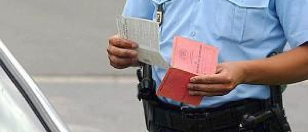 Le nombre de points de permis retir s augmente en 2012 - Combien coute un avocat commis d office ...